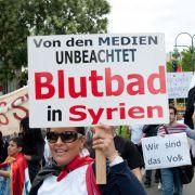 In Berlin treffen sich regelmäßig Oppositionelle, um für Freiheit und Demokratie in Syrien zu demonstrieren.