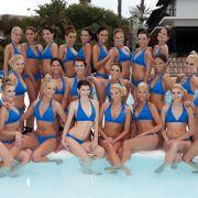 Im Europa-Park Rust wird die Miss Germany 2012 gekürt. 6530 Frauen hatten sich beworben, für die letzten 23 ist das Krönchen nun zum Greifen nah. Die Finalistinnen im Alter von 18 bis 25 Jahren müssen sich in Abendkleid und Bademode präsentieren.