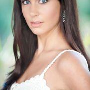 Nathalie Masson ist die amtierende Miss Saarland, jetzt möchte sie Miss Germany 2012 werden. Die 23-jährige Studentin liest gerne und treibt viel Sport.