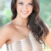 Ende 2011 wurde die gebürtige Kolumbianerin Viviana Beltràn Velez zur Miss Hamburg gekürt. Jetzt hat auch sie die Chance, Miss Germany zu werden. Viviana ist 23 Jahre alt, 1,74 Meter groß und arbeitet als kaufmännische Assistentin.