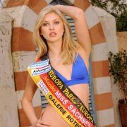 Für Miss Sachsen Anastasia Kolmakowa hat sich's dagegen schon ausgeträumt. Die 24-jährige Studentin aus Leipzig wurde von der Wahl ausgeschlossen, sagte ein Sprecher der Organisatoren. Als Grund nannte er Disziplinlosigkeit bei den Vorbereitungen.