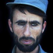 Den zweiten Preis gewann Ton Koene aus den Niederlanden. Er fotografierte afghanische Rekruten im deutschen Polizeitrainingszentrum in Kunduz.