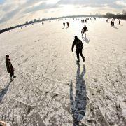 Anders als damals dürfen aber in diesem Jahr keine Stände auf dem Eis stehen.