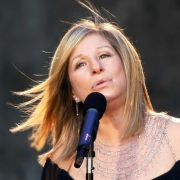 Auch Musikerin und Schauspielerin Barbra Streisand zeigte sich betroffen.