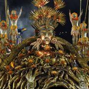 Aufwändige, gigantische Wagen zeichnen den Karneval in Rio aus.