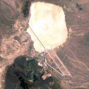 Area 51 gilt als Liebling unter Verschwörungstheoretikern weltweit. Die Annahme hält sich hartnäckig, dass die Amerikaner auf dem militärischen Sperrgebiet in der Wüste Nevadas Kontakt zu Aliens aufnehmen und erforschen würden.