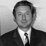 Die Erben von seinem Bruder Theo Albrecht (hier auf einem Archivfoto aus dem Jahr 1971), kommen auf ein Vermögen 16 Milliarden Euro.