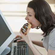 Mittagspausen-Fehler: Naschen