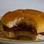 Mittagspausen-Fehler: Essen bis zum Schluss