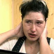 Die 25-jährige Bianca verzweifelt an ihrem Aussehen. Sie fühlt sich hässlich, ihr Selbstbewusstsein ist völlig zerstört.