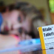 Platz 15: Methylphenidat, in Ritalin enthalten, wird vor allem bei Kindern mit ADHS eingesetzt. Doch immer wieder wird es auch als illegal genutzt, zu Pulver zerstoßen und geschnupft. Es wirkt euphosierend, führt aber auch zu Erbrechen und Krämpfen.