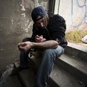 Platz 1: Laut den britischen Forschernist Heroin die gefährlichste Droge schlechthin. An ihr sterben jährlich tausende Menschen. Heroin wird gespritzt oder geraucht, wirkt schnell und ist höchst suchterzeugend. Eine Überdosis endet meist tödlich.