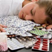 Platz 7: Benzodiazepine oder Schlafmittel wie Valium und Frostan wirken angstlösend und beruhigend, können aber schon nach wenigen Monaten zur Abhängigkeit führen. In Deutsche sind etwa eine Million Menschen abhängig.