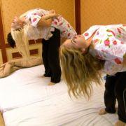 Auch die enspannende Massage, hatte sich die Katze etwas - nun ja - entspannender vorgestellt.