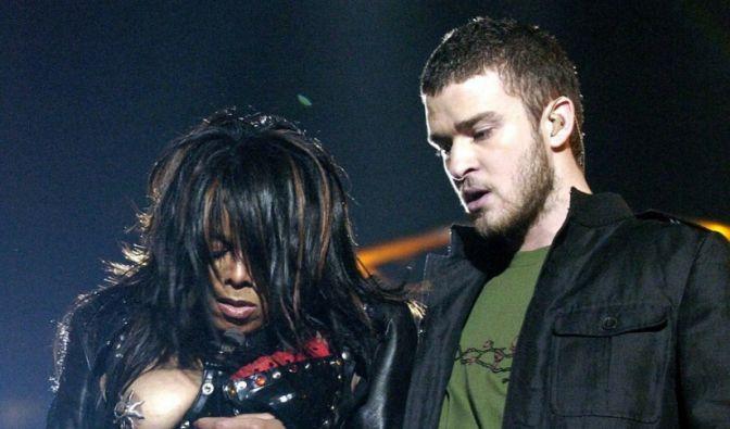 Den Busenblitzer schlechthin lieferte Janet Jackson 2004, als sie gemeinsam mit Justin Timberlake beim Superbowl performte. Beide behaupteten, es sei ein Versehen gewesen.
