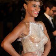Auf ein paar Schlagzeilen hat es die französische Sängerin Shy'M bei den NRJ Music Awards in Cannes angelegt.