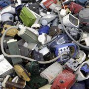 ... ist die bewusste Sabotage von Produkten, auch geplante Obsoleszenz genannt. Eine fatale Entwicklung für Mensch und Natur ...