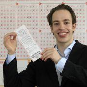 Willi S. hier zum Beispiel hat im Lotto gewonnen und ließ seinen Gewinn wegen Schusseligkeit sogar verfallen.