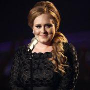 Die britische Sängerin trägt Kleidergröße 42/44 - eher untypisch für jemanden, der in der Musikbranche erfolgreich ist.
