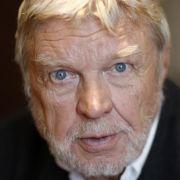 Hardy Krüger gehört zu den Männern, die einfach für immer ein Jungengesicht haben.