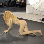 ... musste Sara mal wieder zu ihrer Vergangenheit als Stripperin Stellung beziehen.