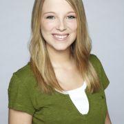 Iris Mareike Steen spielte vor GZSZ, wo sie als Lilly Seefeld zu sehen ist, in zahlreichen TV-Produktionen, u. a. Da kommt Kalle, Großstadtrevier, Das Duo und Die Rettungsflieger.