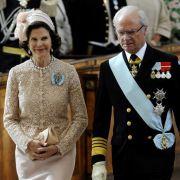 Die stolzen Großeltern: Königin Silvia und König Carl XVI Gustaf.