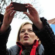 Julia Klöckner erlangte Berühmtheit, als sie über Twitter Christian Wulff vorzeitig als neuen Bundespräsidenten verkündete.