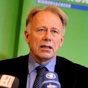 Auch die Grünen zwitschern: Der Fraktionsvorsitzende Jürgen Trittin teilt im Netz gerne gegen die politische Konkurrenz aus.