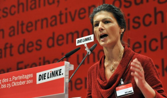 Sahra Wagenknecht ist das vermutlich bekannteste weibliche Gesicht der Linken. Seit sie mit Oskar Lafontaine liiert ist, steht die stellvertretende Vorsitzende noch mehr im Fokus der Öffentlichkeit. (Foto)