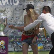 Fußball-EM 2012: Frauenprotest in der Ukraine