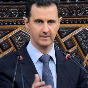 Die UN hat Syrien auf ihre «Liste der Schande» gesetzt. Doch der syrische Präsident Baschar al-Assad spielt mit der Weltöffentlichkeit weiterhin Katz und Maus.