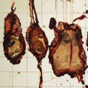 «Alles Kannibalen», heißt eine Ausstellung in Berlin. Adriana Varejao aus Brasilien steuerte das Werk «Helden» bei.