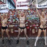 Die Herbertstraße auf der Reeperbahn ist Hamburgs bekannteste Puff-Meile. Nur Männer dürfen hier rein. Aktivistinnen der ukrainischen Frauenrechtsorganisation Femen haben davor gegen Sex-Ausbeutung demonstriert...