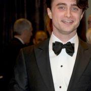 Daniel Radcliffe hat erst seit 2009 seinen Führerschein. Er meidet dichten Stadtverkehr, vor allem in London und lässt sich auch viel lieber kutschieren, als selber das Steuer in die Hand zu nehmen.