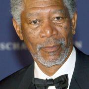Morgan Freeman geriet 2009 in die Kritik: Gerüchte kursierten, der Schauspieler wolle seine Siefenkelin heiraten - wie mehrere Boulevardblätter berichteten.