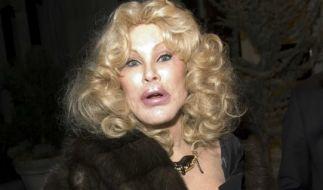 Societylady Jocelyn Wildenstein hat es mit ihren Schönheits-OPs mehr als übertrieben. Sie gab vier Millionen Dollar aus, um sich zur Katzenfrau opperieren zu lassen. (Foto)