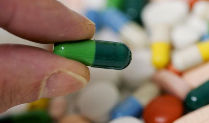 Abgegeben werden sollen Drogen in standardisierten Einheiten, zum Beispiel in Tablettenform.