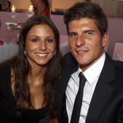 Silvia Meichel ist die langjährige Freundin von Nationalstürmer Mario Gomez.