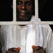 In vielen Staaten Afrikas sind die Haftbedingungen katastrophal, Verhaftungen finden willkürlich statt.