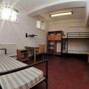 Auch in Deutschland sehen nicht alle Zellen so aus wie diese, behindertengerechte, im Gefängnis von Görlitz.