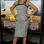 Diät im Miniformat: Um ihre schlanke Linie zu halten, isst Hollywood-Star Jennifer Aniston ihre Mahlzeiten von Puppentellern.