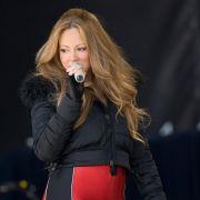 ... Popstar Mariah Carey. Ihr Trick, damit die Hose nicht kneift: Eiswürfel lutschen! Dadurch kühlt angeblich der Körper ab und muss Energie verbrennen, um sich wieder aufzuwärmen.