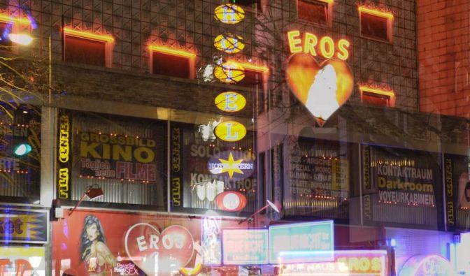 Walter amüsierte sich Nacht auf der Reeperbahn, spielte weiter Lotto, gewann noch einmal 300.000 Mark.
