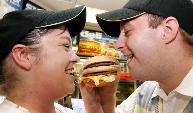 Luke Pittard aus dem britischen Cardiff räumte 2008 1,3 Millionen Pfund ab. Anderthalb Jahre später arbeitete er wieder in seinem Job bei McDonald's, und das nicht, weil die Kohle aufgebraucht wäre.