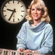 1974 war Karin Tietze-Ludwig Lottofee für Heinz W. aus Remels. Er wird der erste Lotto-Millionär, nachdem die Obergrenze von bisher 500.000 Mark aufgehoben wurde.