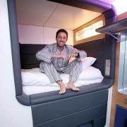 Eingecheckt werden kann stundenweise zu jeder Tages- und Nachtzeit am Automaten. Vier Stunden etwa kosten je nach Zimmertyp 45 bis 85 Euro. Ein Tag kostet zwischen 85 und 126 Euro.