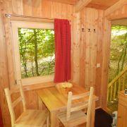 Sie wurden aus unbehandelten heimischen Hölzern gebaut, bieten Platz für zwei bis sechs Personen und kosten ab 120 Euro im Winter und ab 150 Euro im Sommer.