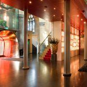 «Design zwischen Himmel und Erde», wirbt das Kruisherenhotel Maastricht für seine exklusive Hotelanlage, ein ehemaliges Kreuzherrenkloster aus dem 15. Jahrhundert. Klassische Elemente sind hier liebevoll mit der Moderne kombiniert.