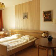 Das Hostel im Plattenbau direkt am Ostbahnhof kostet zwischen 15 Euro für das Bett bis zu 80 Euro für die DDR-Ferienwohnung.